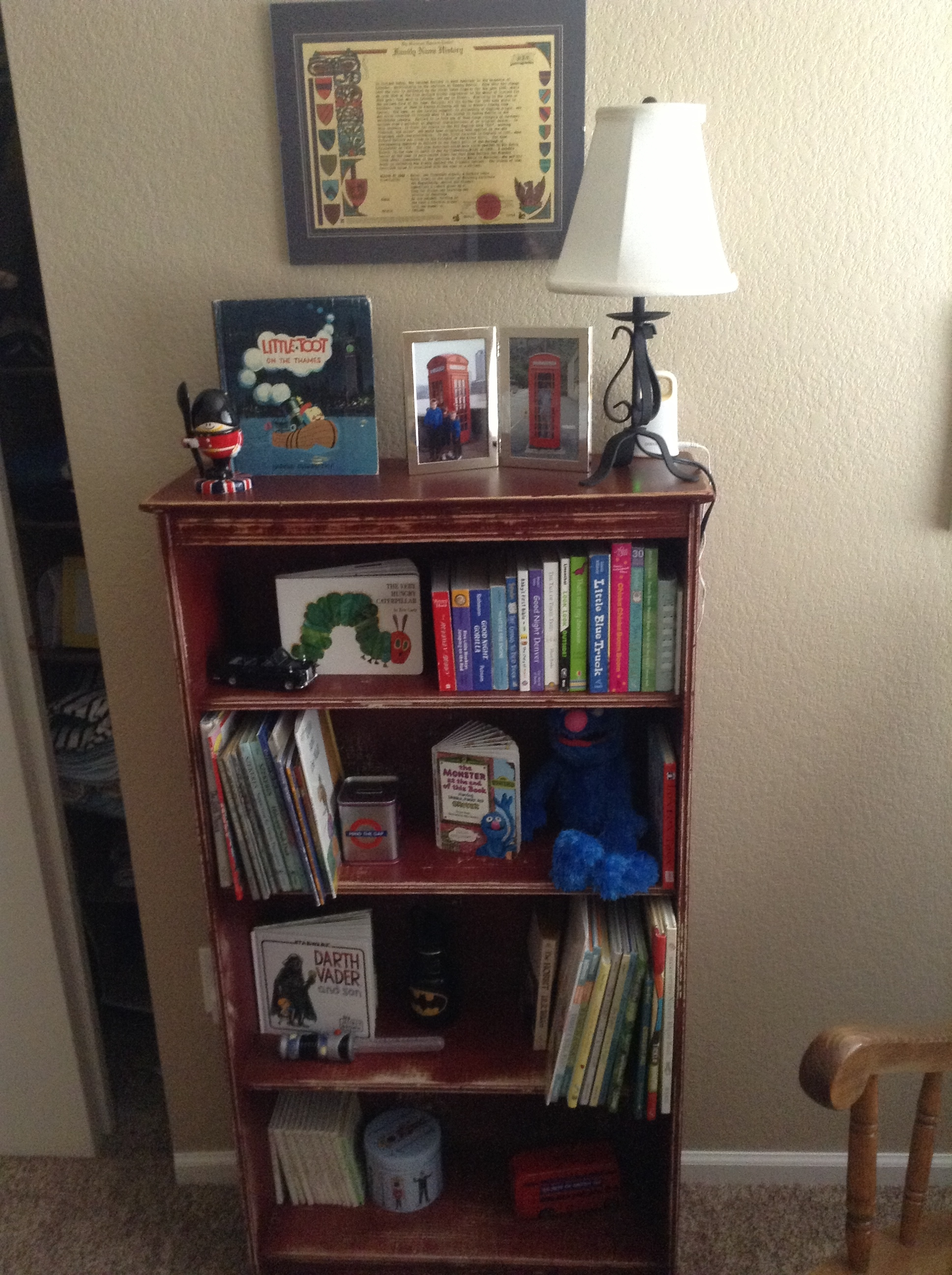 Family Fridays – Books as Nursery Decor